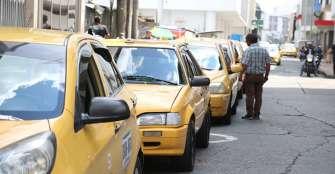 Taxistas esperan que el trabajo mejore desde esta semana