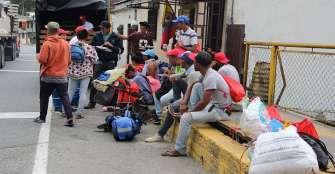 Embajador de Guaidó en Colombia pidió a venezolanos que no regresen a su país