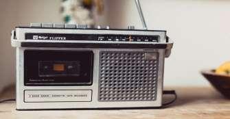 La radio vuelve a ser la escuela de miles de niños