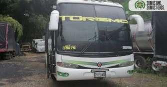 Bus interdepartamental transportaba 42 personas ilegalmente