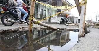 Hueco 'gigante' afecta el tránsito por El Placer