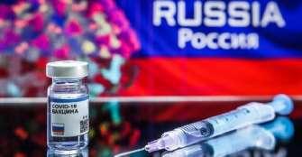 La vacunación masiva en Rusia contra la COVID-19 comenzará en un mes