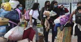 Gobierno de Venezuela niega haber cerrado el paso de migrantes desde Colombia