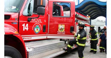 Controlado incendio en el barrio Granada