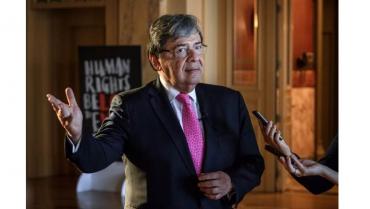 Senador acusa a ministro de Defensa de ocultar muerte de 36 niños