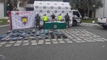En Bosques de Gibraltar guardaban 2 granadas y 100 kilos de marihuana