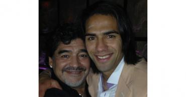 """Falcao recuerda que Maradona marcó su vida con su  """"cercanía"""" y su  """"cariño"""""""