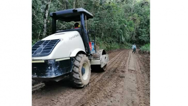 Líderes comunales denuncian  irregularidades en obra vial de Pijao