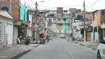 Mujer fue víctima de un hombre que le robó su celular en el barrio La Arboleda