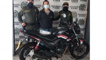 Lo sorprendieron  robando una moto  y lo iban a linchar