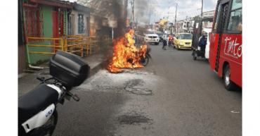 Motocicleta se incendió espontáneamente: Setta
