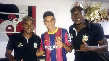 Guerrero y Cambindo visitaron a Juan José, goleador de Quindío infantil
