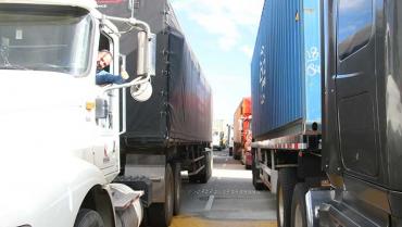Acuerdo para transitar por La Línea durante fin de año beneficia a todos los sectores