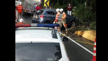 Colisión de 2 vehículos en la  vía La Línea no dejó víctimas