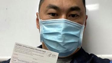 Un enfermero de California contrae la covid días después de ser vacunado