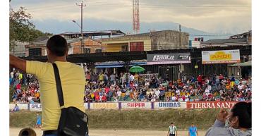 En medio del torneo de fútbol de Ciudad Dorada no se respetaron protocolos de bioseguridad