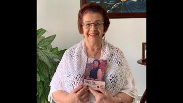 Argelia, la carabina y el Corazón de Jesús,  78 años en 219 páginas