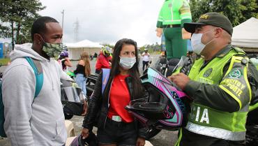 Motociclista: lo que debe  saber sobre el casco de su moto