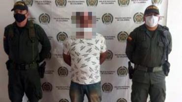 Hombre sindicado por homicidio fue detenido en la vía Armenia-Caicedonia