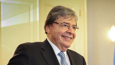 Ministro de Defensa, Carlos Holmes Trujillo, falleció por Covid-19