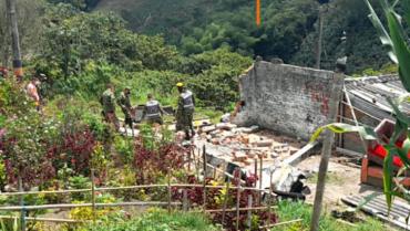 Demolieron 2 viviendas en Quimbaya que eran usadas para el microtráfico