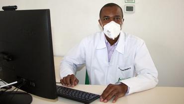 El doctor Mosquera está listo para ser el primer vacunado en el Quindío contra la Covid