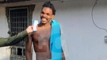 Hombre acusado de haber cometido varios homicidios, se escapó de la estación de Policía de Filandia