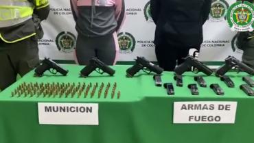 2 mujeres fueron capturadas  con 5 pistolas y 160 proyectiles