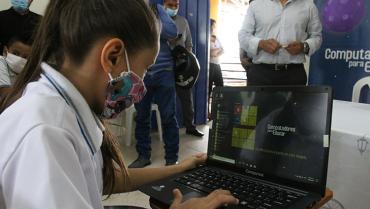 Armenia recibió 1.240 nuevos equipos del  programa Computadores para Educar