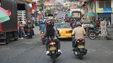 Alcaldía reitera que prohibición de parrillero en el centro sigue en firme