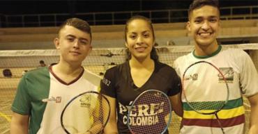 3 quindianos buscan cupo en la selección Colombia de Bádminton