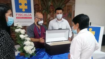 Mujer recibió restos óseos de su hermano,  una supuesta ejecución de la Policía Quindío