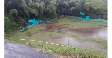Cancha de La Adiela sufre por el abandono y por los estragos de la lluvia