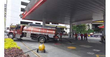 Solo en 3 estaciones de servicio de Armenia pudieron vender gasolina