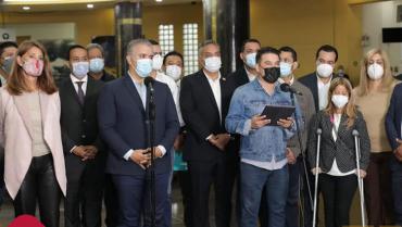 Gobernadores servirán de mediadores entre manifestantes y el gobierno nacional