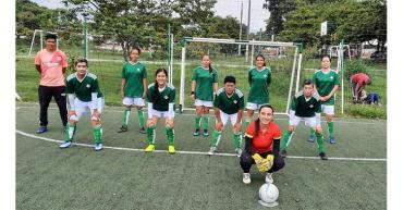 Con torneos barriales, se busca masificar la práctica del fútbol femenino