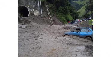 Nuevo derrumbe en Bermellón tiene taponada vía Calarcá-Cajamarca