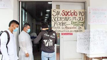 Por falta de pago de sueldos, funcionarios de La Misericordia protestaron