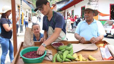 Un mes de paro: productores locales, los protagonistas en los mercados campesinos