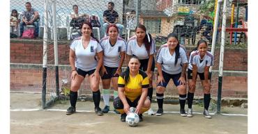 Torneo relámpago de fútbol para celebrar el Día de la Madre