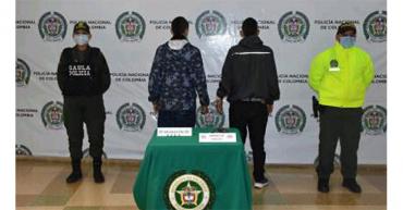 2 ciudadanos fueron capturados portando un arma de fuego