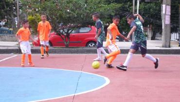 Inscripciones para torneo de fútbol de salón infantil