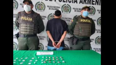 Lo sorprendieron en vía pública con 25 dosis de cocaína
