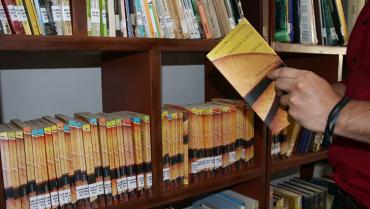 Ultiman ajustes eléctricos para la reapertura de la biblioteca municipal