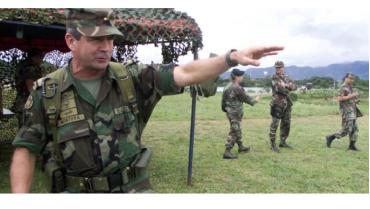 """Fiscalía imputará a exjefe del Ejército colombiano por 104 """"falsos positivos"""""""