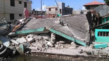 Suben a 304 los muertos por el terremoto en Haití