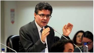 Exministro Alejandro Gaviria anuncia que optará a la Presidencia