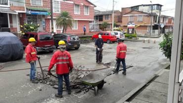 Alcaldía tapó los huecos en Guaduales de la Villa
