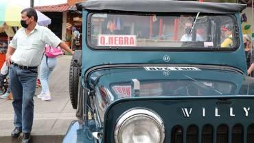 Buses urbanos compiten con Willys por pasajeros a Quebradanegra