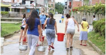 Habitantes de Montenegro sin agua por daño en un tubo